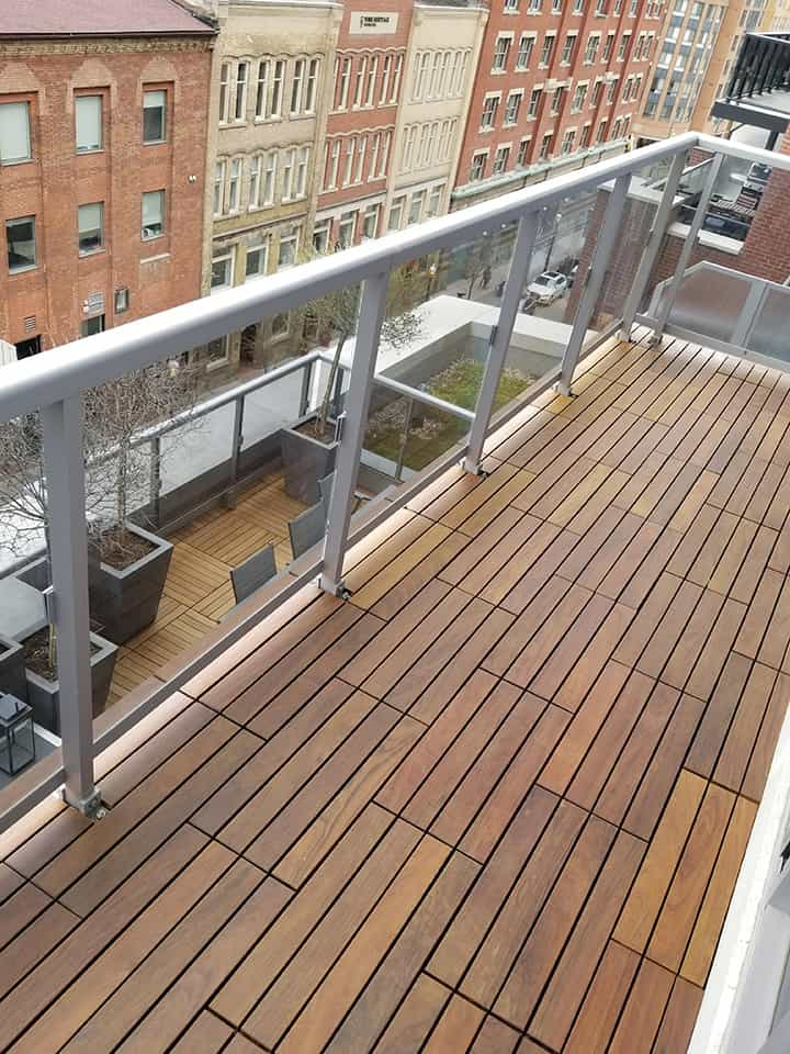 Ipe Deck Tiles for Outdoor Flooring Installation